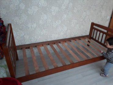 две похожие кровати ,новые. Брали  в детскую,цветом не подошли в Бишкек