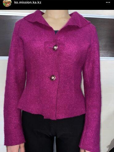 ТОРГ  Для поздней осени шерстяной пиджак . Вельветовый пиджак, прита
