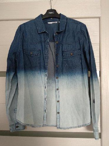 джинсовая жилетка женская в Кыргызстан: Женская рубашка, джинсовая. Состояние идеальное, как новая. Размер