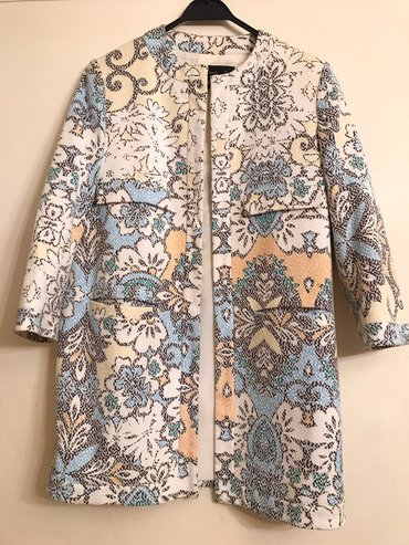 Bakı şəhərində Пальто-жакет, в отличном состоянии, бренд zara, размер m