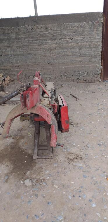 Грузовой и с/х транспорт в Базар-Коргон: Роторная косилка состояния хорошая .45000 сом