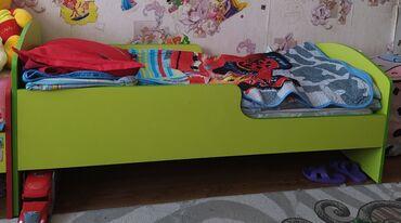 Детская кровать в хорошем состоянии.длина 155см, ширина 70см