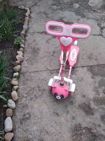 Детский мир - Кок-Ой: Самокат- скутер, состояние идеальное колёса горят и спереди и сзади