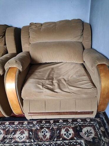 продам кресло кровать in Кыргызстан | ДИВАНЫ: Продам мягкую мебель 2 кресло - кровати и 1 диван - кровать. состояние