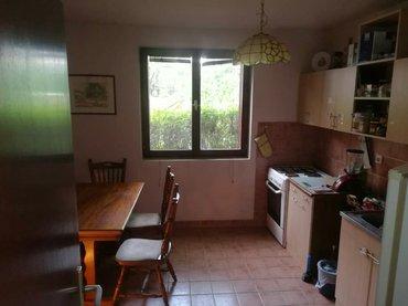 Izdaje se stan u centru Zemuna, kod Zemunskog parka. Stan je u kući u - Beograd