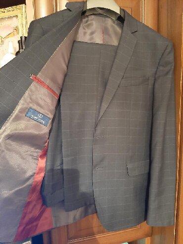 Мужская одежда - Чон Сары-Ой: Смокинг тройка, размер 52, отличного качества, материал не тонкий