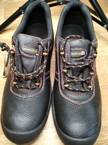 Мужские ботинки. Новые. Можно использовать для работы, как спецовка