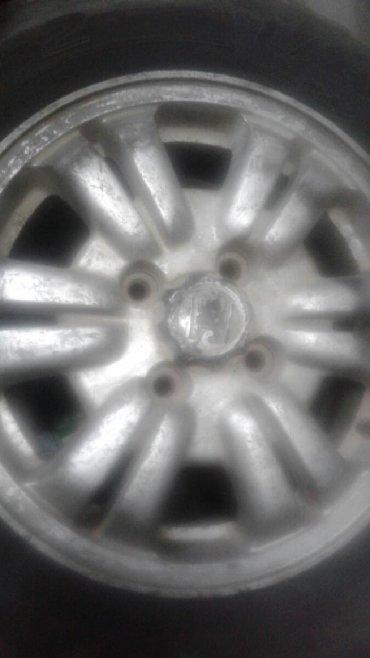Продаю одно колесо 15размер четырех дырый диск от хонды резина 205/65