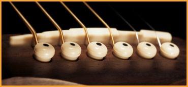 Bakı şəhərində Akustik gitar duymecikleri