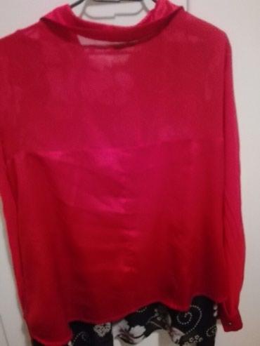 Crvena svečana košulja obučena dva puta, kombinacija svila til. - Belgrade