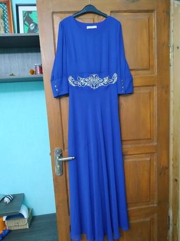 вечернее платье бирюзовый в Кыргызстан: Платье длинное для мероприятий с красивым кыргызским узором на поясе