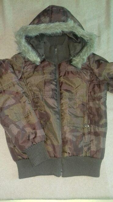 Курточка с Германии в идеальном состоянии размер 36/38. Капюшон
