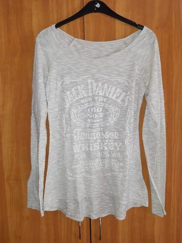 Ženska odeća | Beocin: Majica velicine M/L
