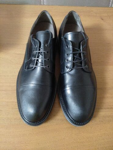 Продаются туфли. 42 размер. Италия