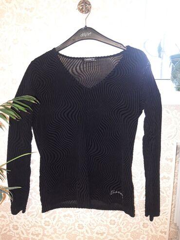 Блузка с сочетанием бархата и трикотажа. Производство: Польша. Размер