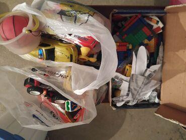 Игрушки в Талас: 3 коробки со старыми игрушками. Можно чем-то обменяться. За все 3