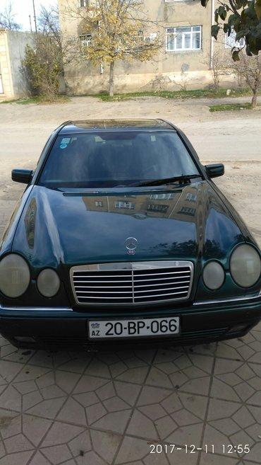 Gəncə şəhərində Mercedes-Benz 230 1996