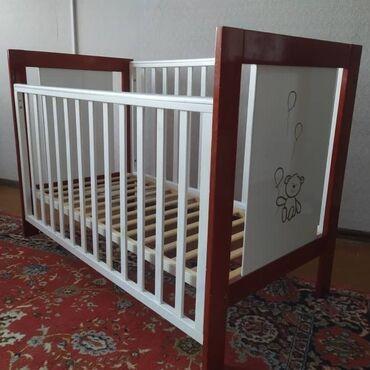 Кроватка-манеж состояние отличноеМатрасик Lina в комплектеНебольшой