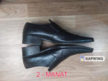 - Azərbaycan: Işlədilmiş ayaqqabilar satılır Bakida Memar Ecemiye yaxin