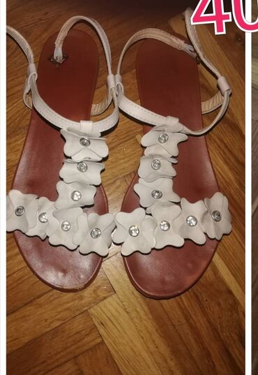 Sandale 40 800 dinara