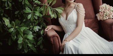 платье с кружевным верхом в Кыргызстан: Продаю новое легкое свадебное платье, размер m, с двойным подкладом