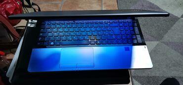 Na prodaju laptop jako kvalitetne i poznate marke Samsung NP305e5z