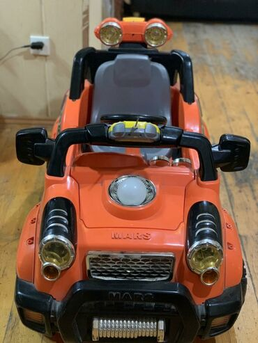 Usag ucun masin 2 motorlu, teze batareyka ve akumulyator,pultnan