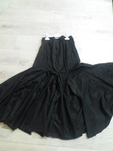 Юбки 44-46 размер по 150 сом Турция . Кофта 46 размер 400 блуза со