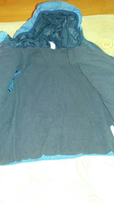 Zimska jakna,postavljena ,vel za 2 god,sirina ramena 29,duzina rukava - Krusevac