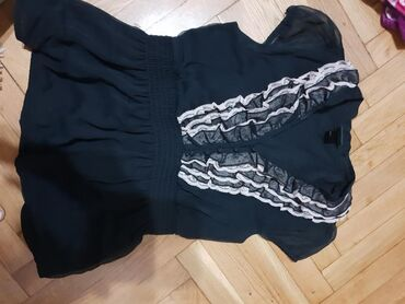 Chicago bulls - Srbija: Kosulja H&M, velicina 38, prelepo stoji i jako je uklopljiva
