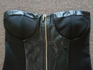 Crna ženska haljina Veličina M Rajsferšlus može skroz da se otkopča  - Obrenovac