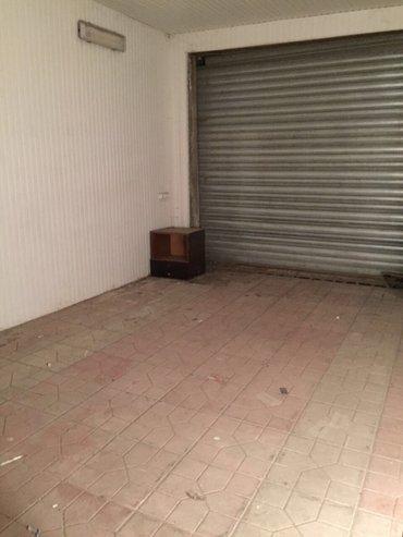 Bakı şəhərində Zdayoca garaj pod sklar iki pod metve terevez , mesto Xatai na protiv
