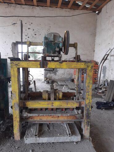 Услуги - Балыкчы: Пескаблок станок продается срочно все работает толька одной вибрамотор