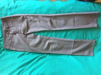 Sive farmerke, br 27, rastegljive su, nošene 2 puta, malo su sjajne - Subotica