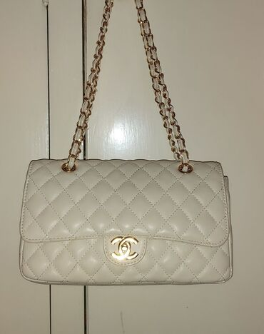 Chanel flap clasic torba . Potpuno nova, bez oštećenja, u