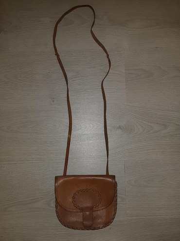 Bez-torbica - Srbija: Torbica od prave koze nosena bez ostecenja sirina torbice 20cm,duzina