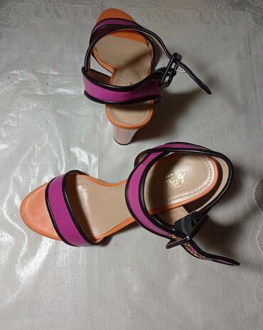 10561 объявлений: Женские босоножки Polann. Размер обуви 37. В отличном состоянии. Цена