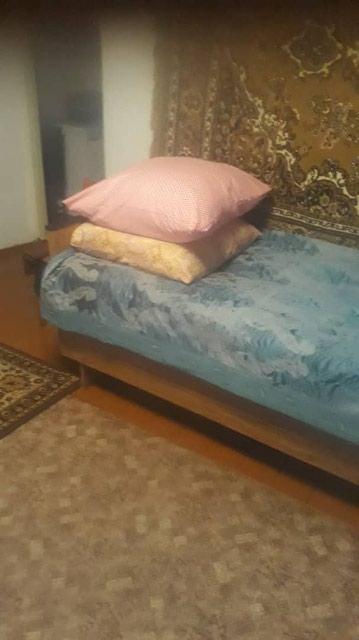 Продаю полуторку кровать б/у цена с матрасом 2т сом 555 504 410 в Бишкек