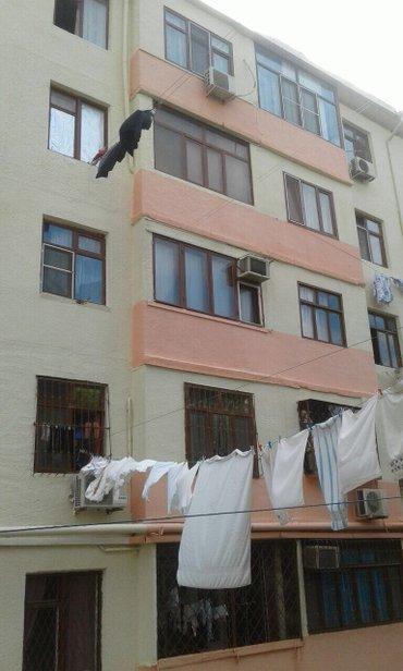 Bakı şəhərində Acamida moskva univermaginin yaninda 3 otagli ev