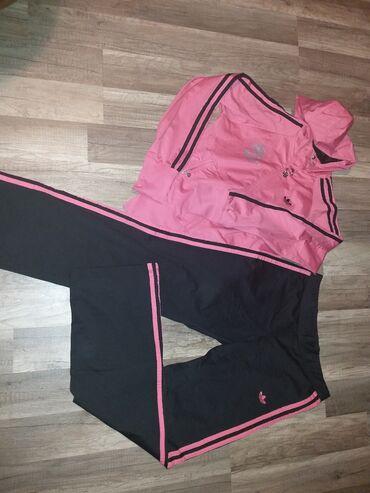 Adidas komplet original trenerkaJako prijatnog materijala i jako lep