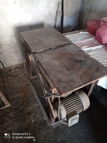 Станок фуганочный: стол регулируемый: двиг. 3кв. ?. Станина уголок