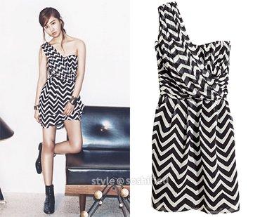 ** H & M ** crno bela haljina 42  Haljina brenda H&M.   Na njoj - Beograd