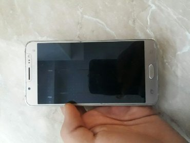 Samsung b3410w ch t 2gb - Azerbejdžan: Upotrebljen Samsung Galaxy J5 2016 16 GB zlatni