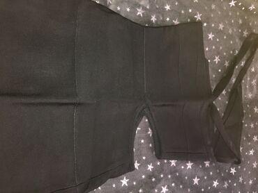 Haljina, od čvestog materijala. Jednom obučrna. Univerzalna veličina