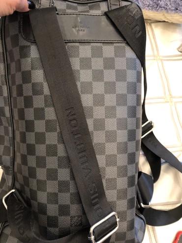Кожанный брендовый рюкзак ! Брали в итальянском магазине дорого! Отдам