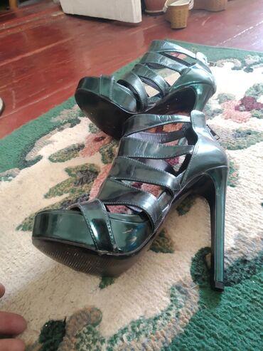 стойка для обуви в Кыргызстан: Босоножки стойкие 36_р,обмена нет
