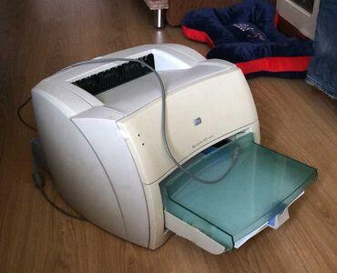 Принтер HP laserjet 1000 лазерный черно-белый. В хорошем состоянии