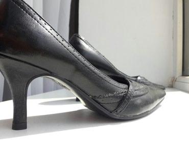 Очень удобные черные туфли. размер 36. в Бишкек