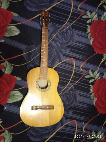 Спорт и хобби - Токмок: Классическая гитара всё в идеальном состоянии продаю за 4000
