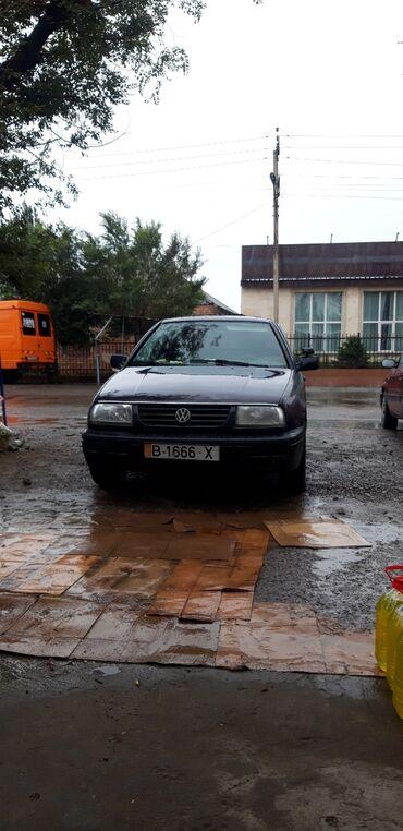Volkswagen в Балыкчы: Volkswagen Vento 1.8 л. 1992 | 200000 км